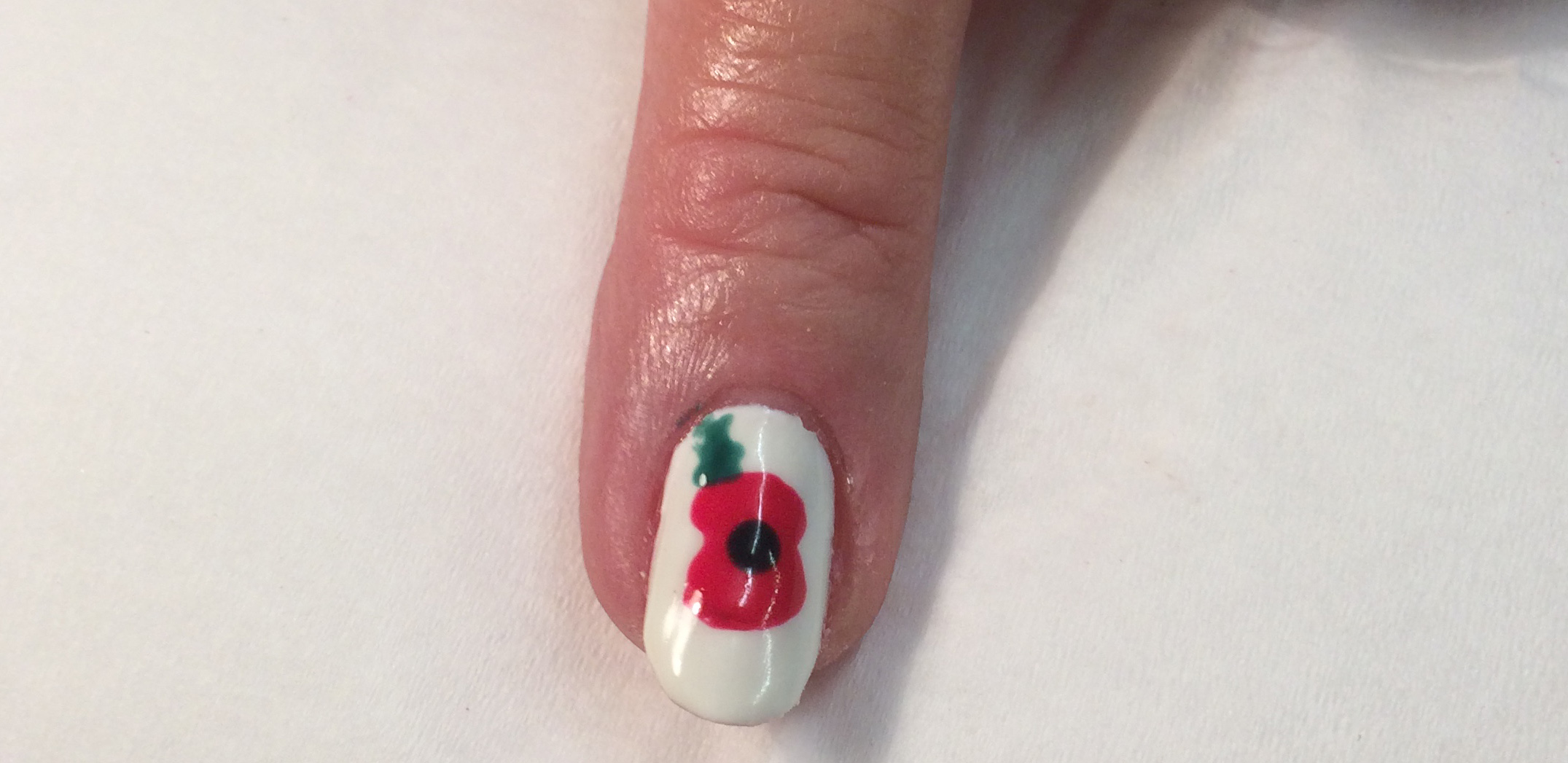 Nail Art Poppy Perfect 10 Burbage